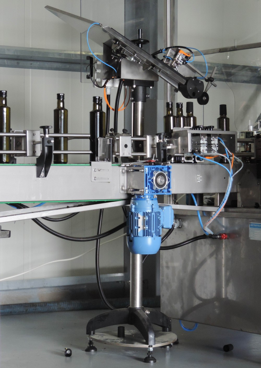 Fully Automatic Production Line for Olive Oil - METROTECH