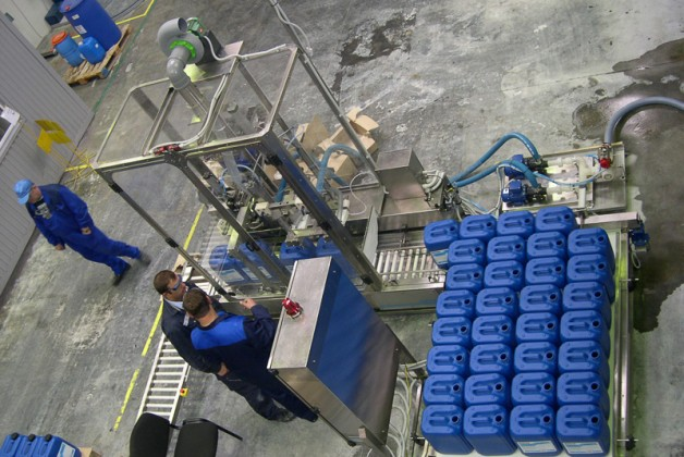 Automatic Filling Line Chemical 3